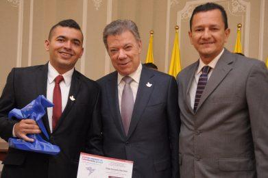 Diego junto al presidente y el contralor municipal de Neiva